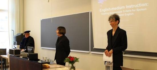 The public defense of Diane Pilkinton-Pihko, Dec. 13, 2013. From left to right: Prof. Sauli Takala, opponent; Prof. Anna Mauranen, kustos; and Diane Pilkinton-Pihko.© Diane Pilkinton-Pihko